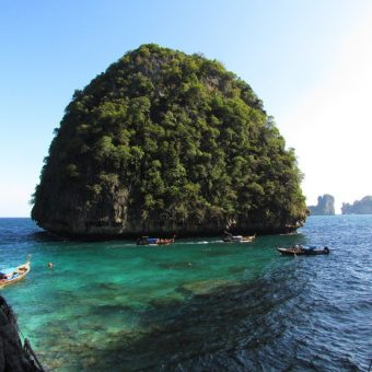 phi phi Islands loh samah bay