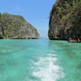 phi phi islands Pileh Cove