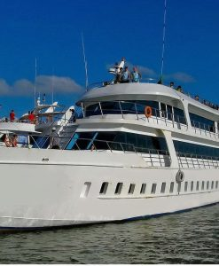 phi phi islands big boat tour