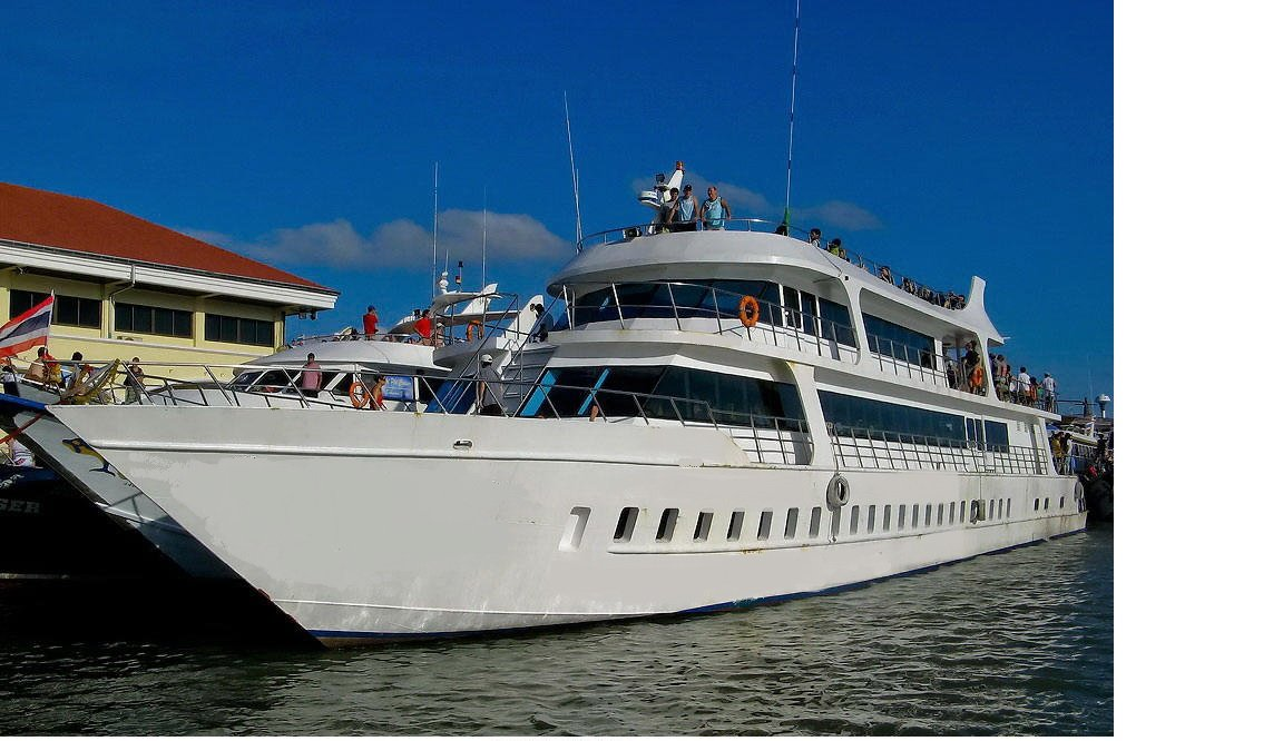 Phi Phi Islands Big Boat Tour – Semplice Phuket Tours